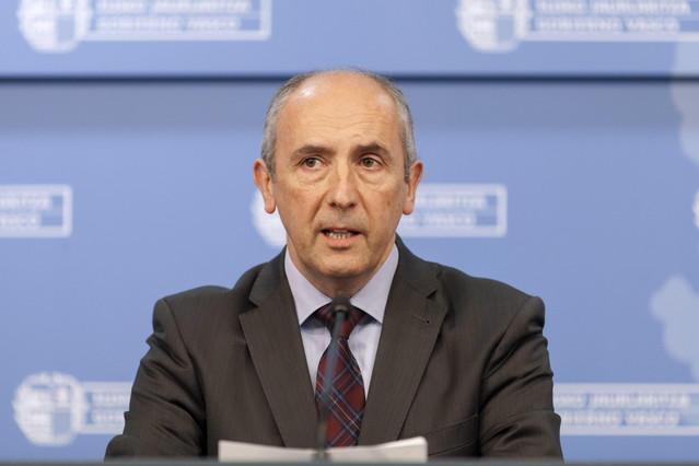 El portavoz del Gobierno vasco, Josu Erkoreka, en una foto de archivo.