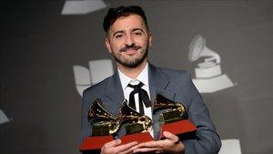El Guincho, con sus Grammy Latinos, en Las Vegas