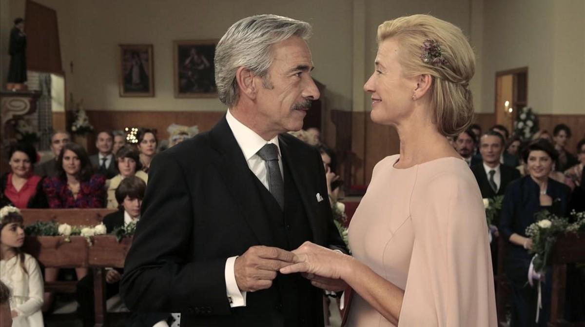 Imanol Arias y Ana Duato, protagonistas de la serie de TVE Cuéntame cóm pasó.