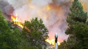 El incendio ha obligado a evacuar la población de Tejeda