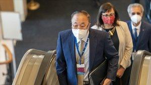 El embajador chino ante la ONU,Zhang Jun, a su llegada hoy a la sede de las Naciones Unidas en Nueva York.