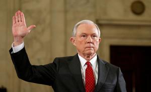 Jeff Sessions, durante la jura del cargo de fiscal general, el pasado 10 de enero.