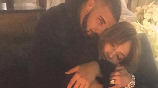 Jennifer Lopez confirma su romance con Drake publicando esta imagen en Instagram.