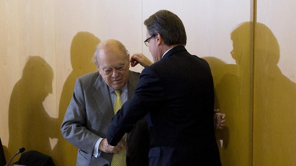 Jordi Pujol y Artur Mas en la reunión de la ejecutiva de CDC eldía 13 de diciembre de 2013, después de anunciar la pregunta y la fecha para la consulta independentista.