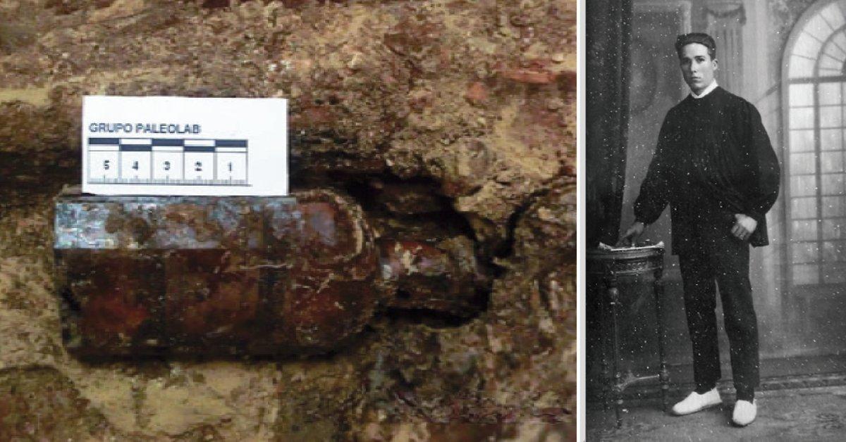 Leoncio Badía, enterrador de Paterna, y una de las botellas que colocaba para identificar los cuerpos de los republicanos fusilados.