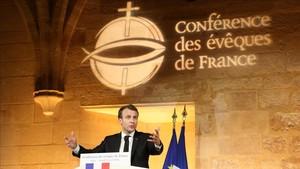 Macron durante el discurso en la Conferencia Episcopal de Francia.