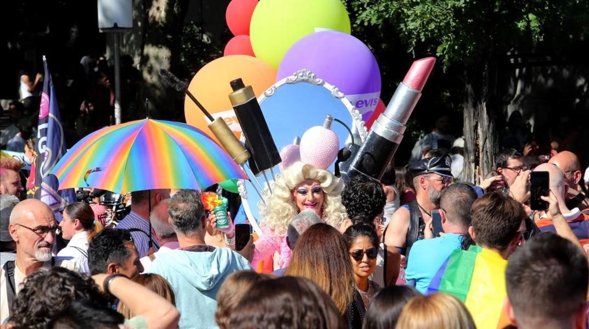 Manifestantes en la marcha del World Pride 2017, en Madrid.