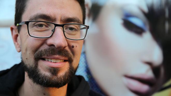Marcos Bajo de la asociación 'Muévete por los que no pueden', padece una enfermedad rara de la retina.