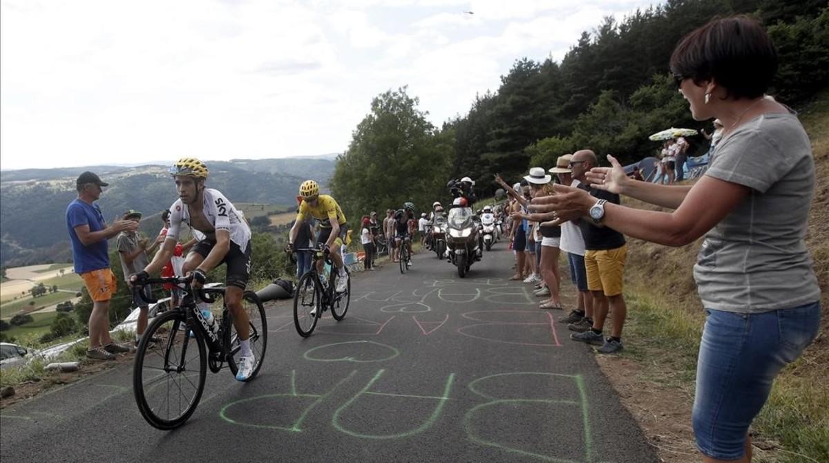 Mikel Landa ayuda a Chris Froome, en la 15ª etapa del Tour.