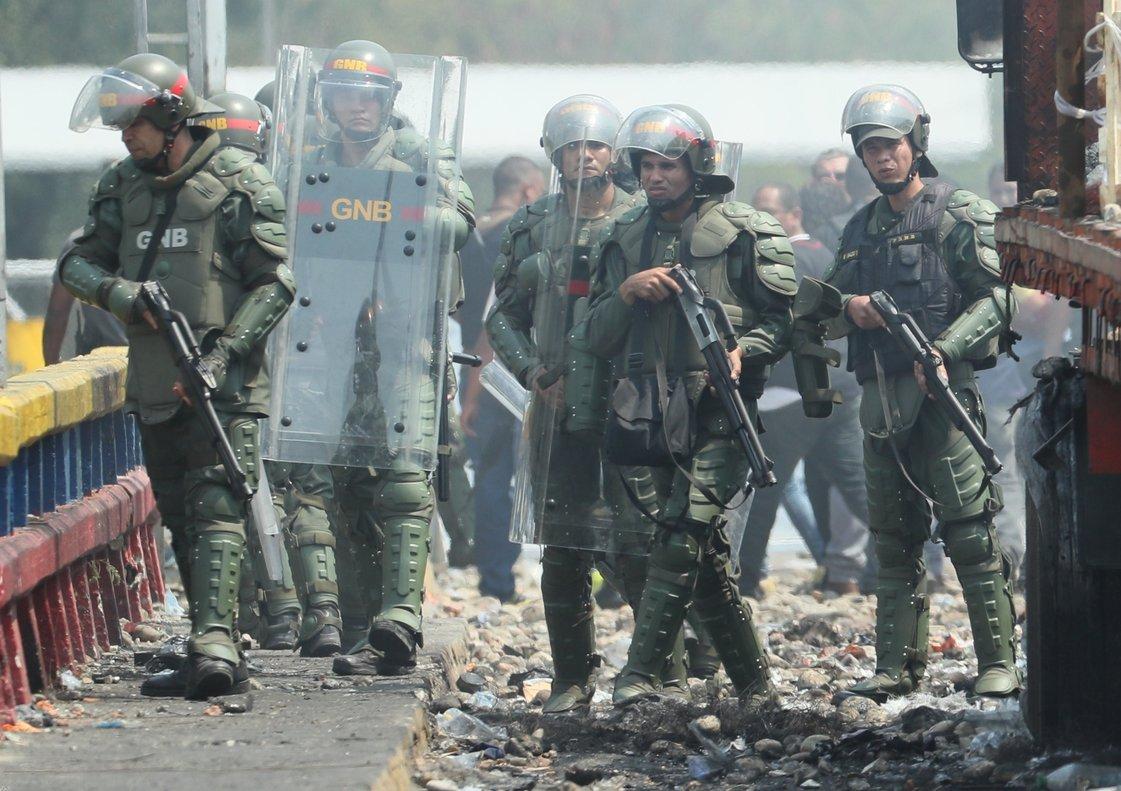 Esta nueva petición de los opositores a la Fuerza Armada se suma a los que ya hacen casi a diario desde que el jefe del Parlamento, Juan Guaidó.