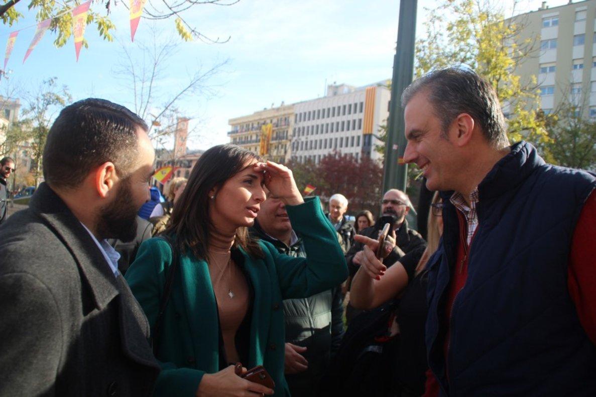 Mónica Lora, ex concejala de Plataforma per Catalunya en Mataró entre 2011 y 2019, junto al secretario general de Vox, Javier Ortega, en un acto a favor de la Constitución en diciembre de 2018.