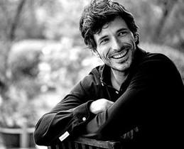 Imagen promocional de Andrés Velencoso para la campaña de The Brubaker.