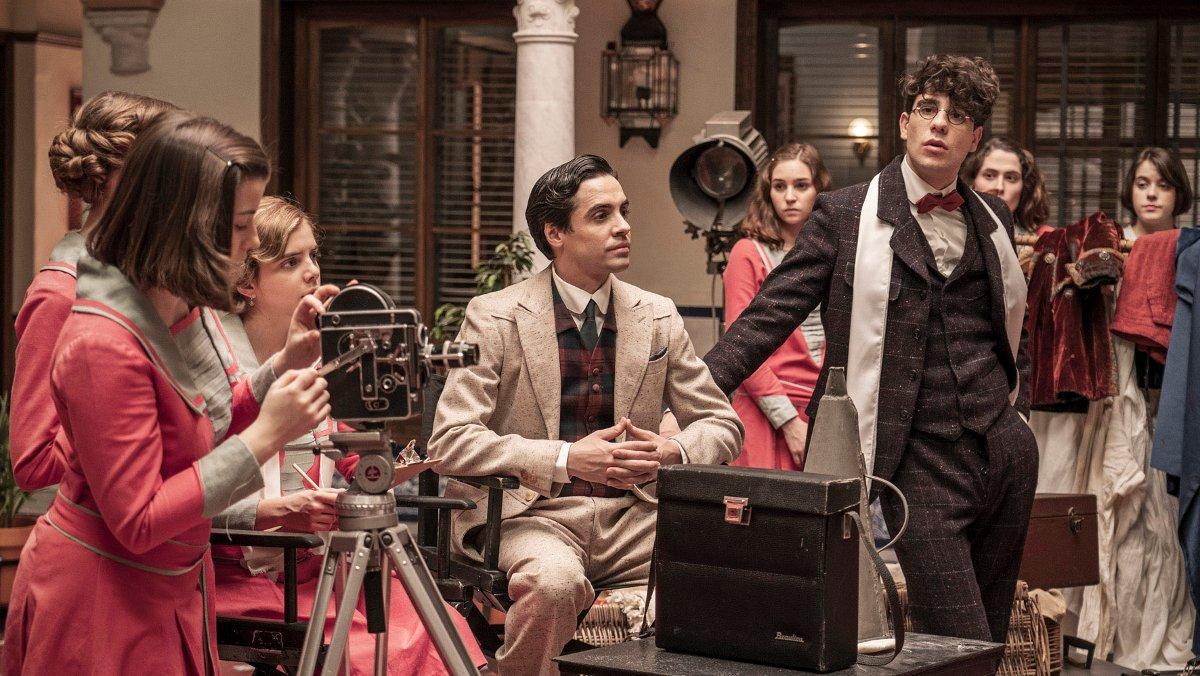 Javier Ambrossi y Javier Calvo, en la serie de TVE-1 'La otra mirada'.
