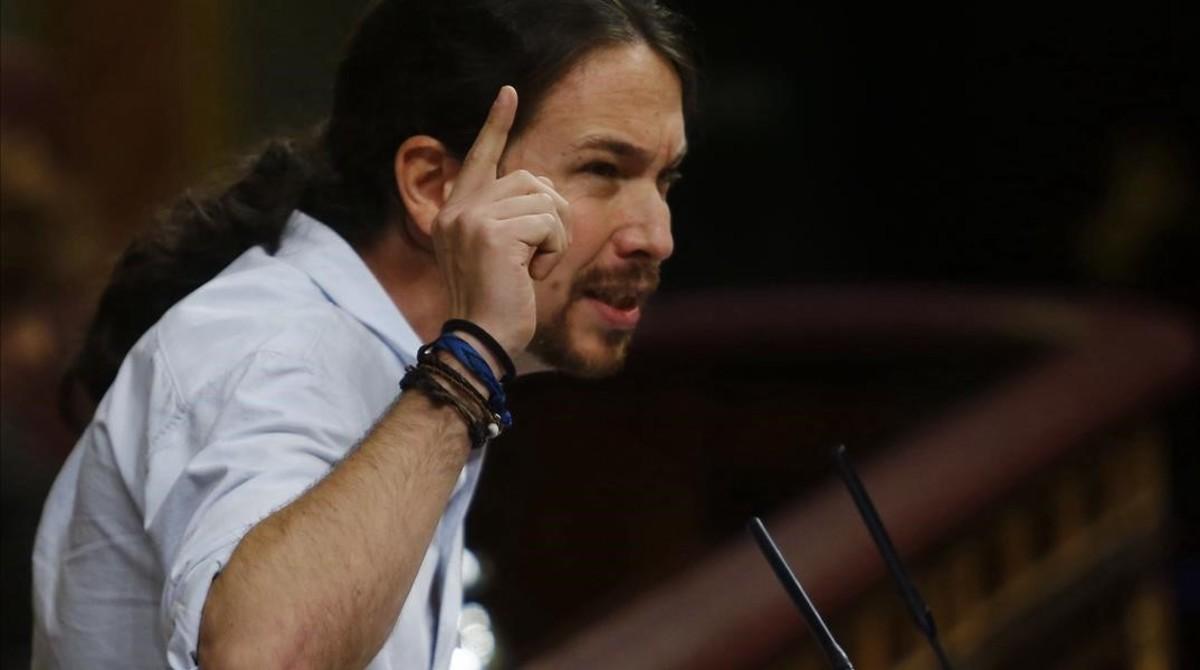 Pablo Iglesias, en la tribuna del Congreso durante la sesión de investidura de Mariano Rajoy.