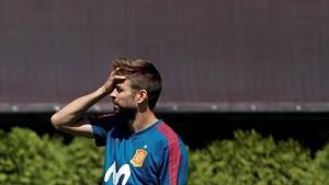 Piqué, durante el entrenamiento de la selección española este lunes 11 de junio en Krasnodar.