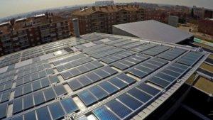 Placas solares en el edificio Podium de Viladecans