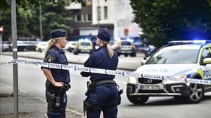 La Policía sueca ha acordonado la zona del tiroteo en el centrode Malmoe, Suecia.
