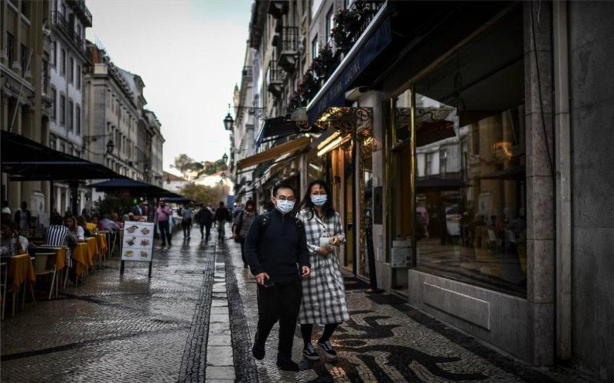 Portugal cierra colegios y discotecas por coronavirus