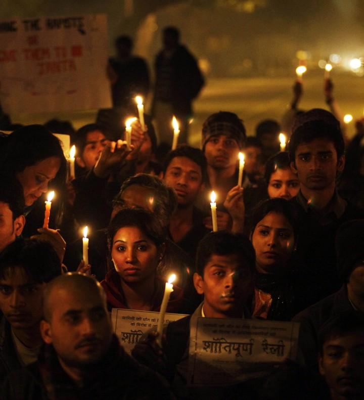 Protestas en India por la violación en masa y el asesinato de una estudiante en un autobús de Nueva Delhi en diciembre del 2012.