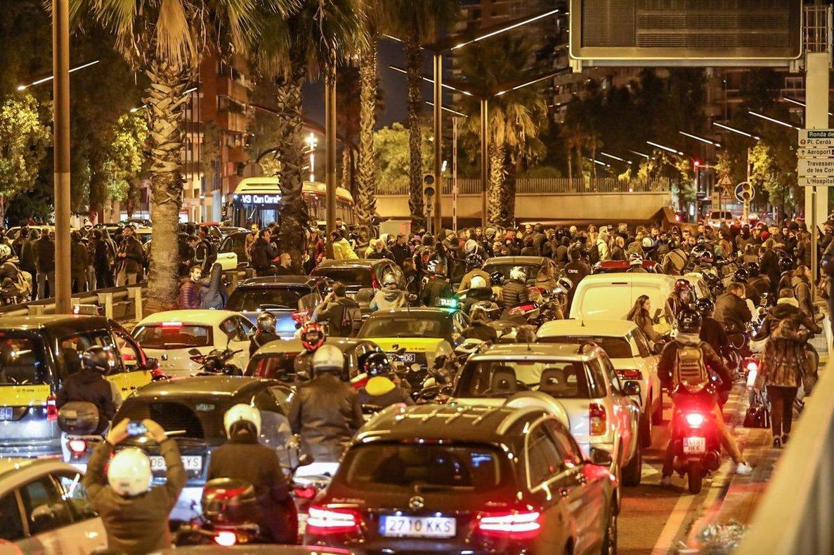 Els CDR criden a bloquejar aquesta tarda els accessos a Barcelona
