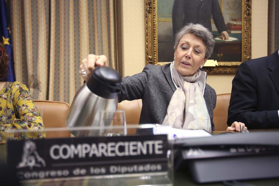 La administradora provisional única de RTVE, Rosa María Mateo, durante su comparecencia por su sociedad patrimonial en el Congreso.