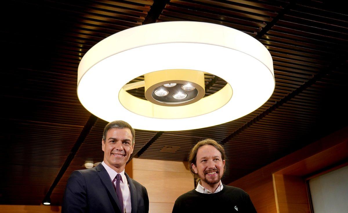Iglesias veu en el pacte valencià el preludi d'una coalició amb Sánchez