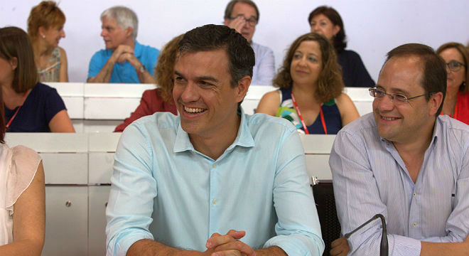 El secretario general del PSOE exige al candidato popular que vaya a la investiduray confirma que los socialistas serán la oposición.
