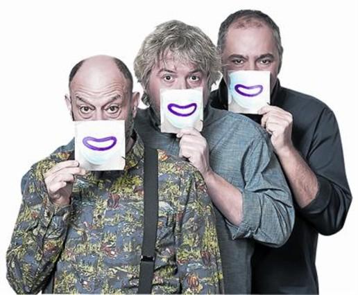 SONRISAs. Javier Cansado, Javier Coronas y Pepe Colubi están al frente del 'show'.