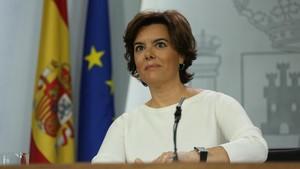 Soraya Sáenz de Santamaríacomparece ante la prensa tras el Consejo de Ministros.