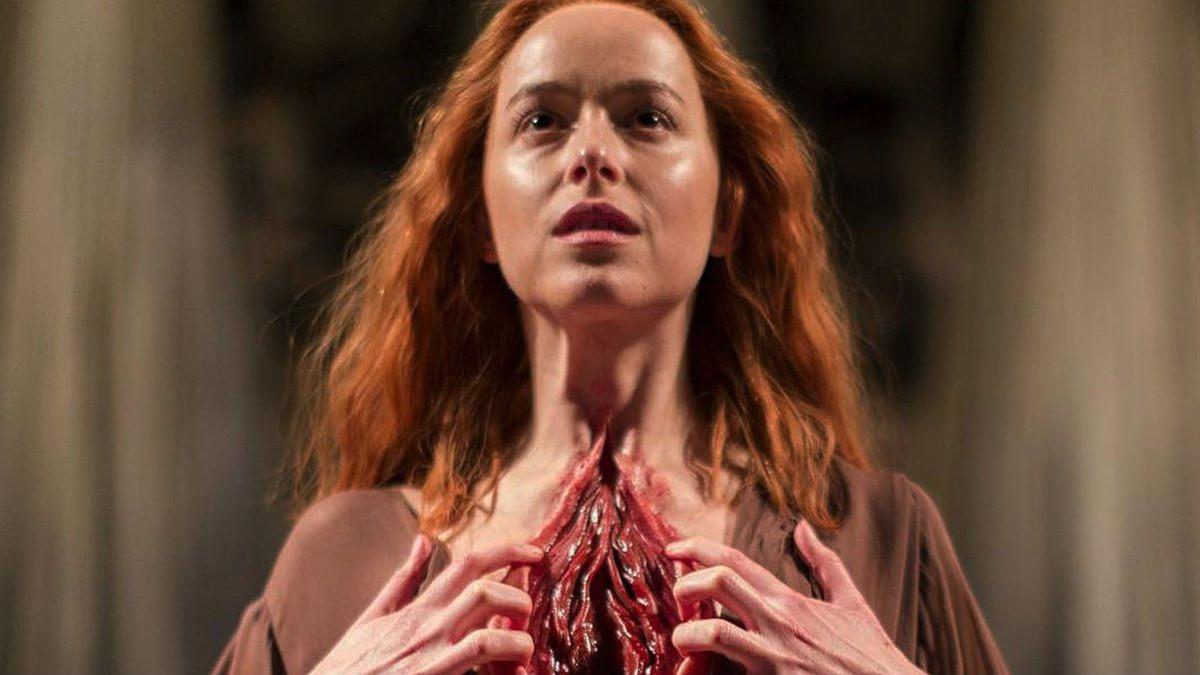 Dakota Johnson en un fotograma de la película Suspiria del directorLuca Guadagnino