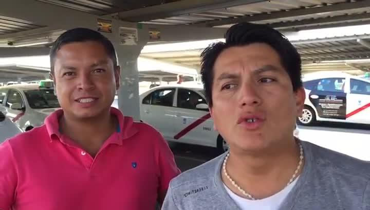 Néstor y Santiago, taxistas ecuatoriano-madrileños, cuentan que en América otros taxistas ya sufren la competencia de Uber y Cabify.