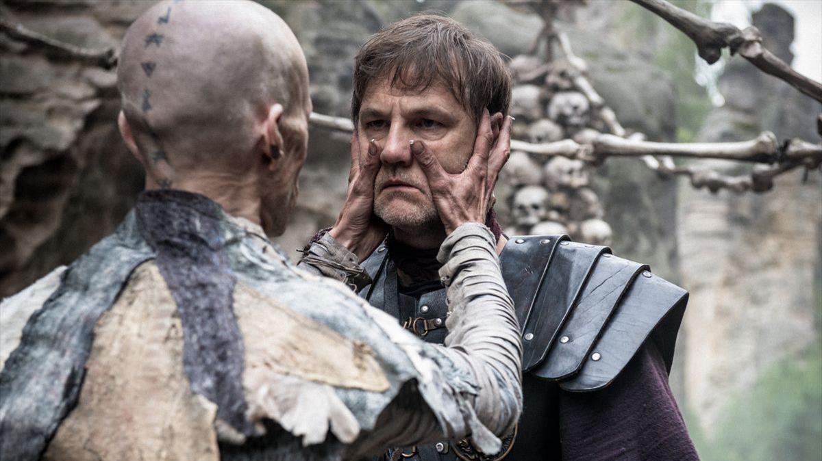 Mackenzie Crook(izquierda) y David Morrissey, en la serie 'Britannia', que la plataforma HBO ha estrenado este enero.