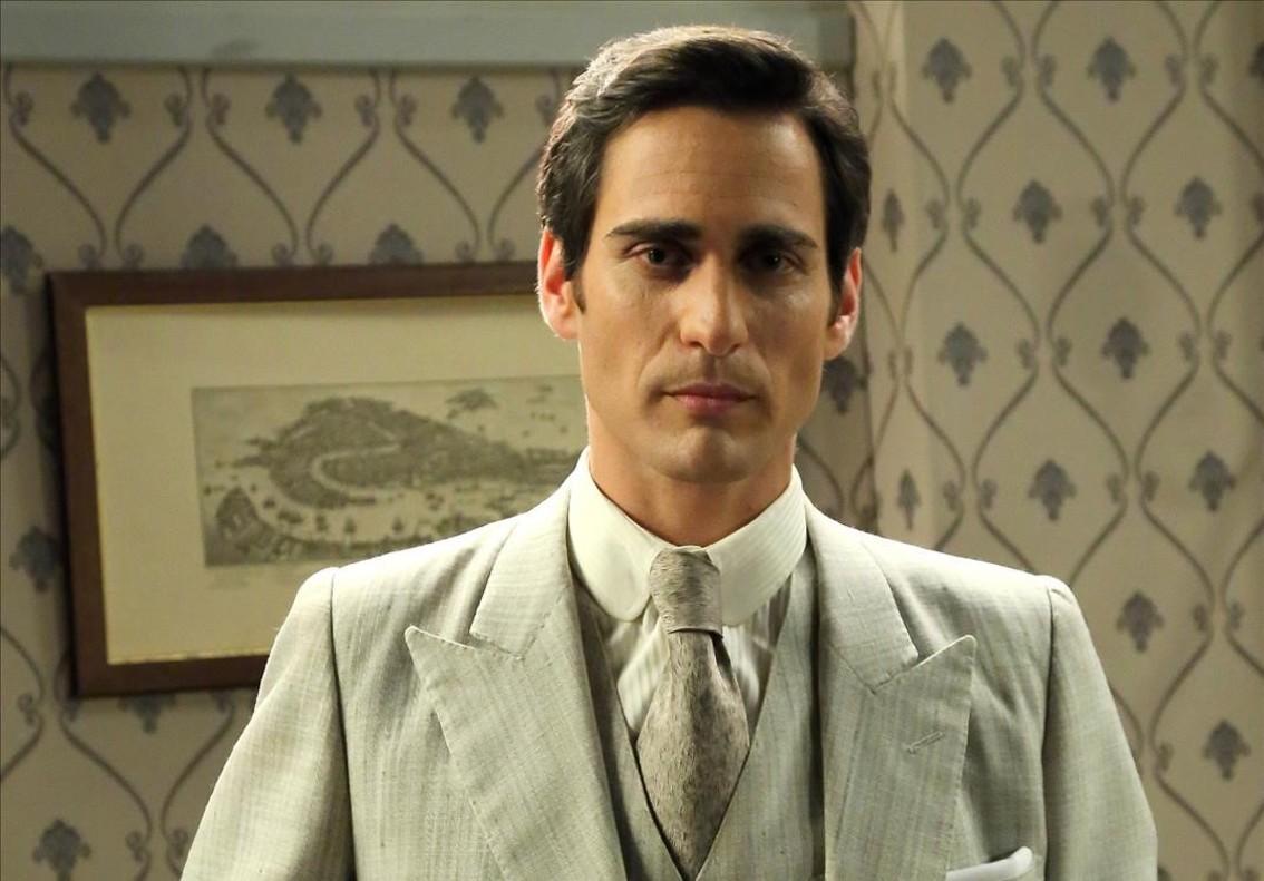 Raül Tortosa es Aquilino en la serie de Antena 3 El secreto de Puente Viejo.