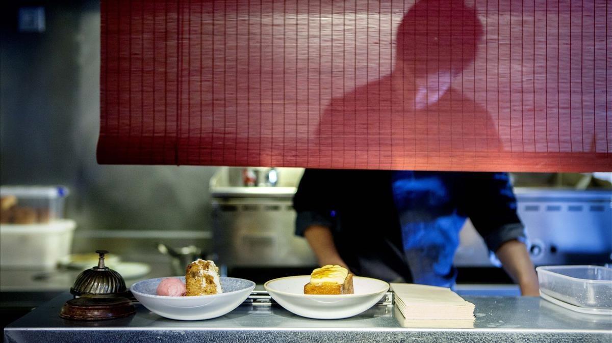 En la web se ofrecen comidas en restaurantes, entre otras experiencias