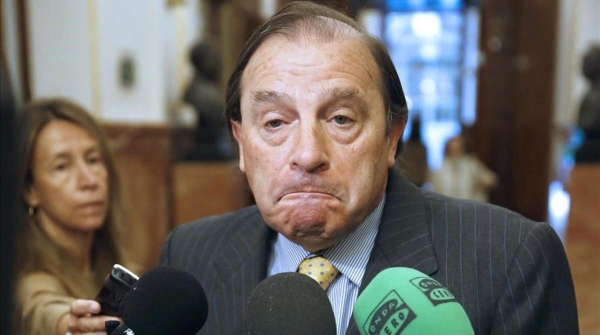 Vicente Martínez-Pujalte, en los pasillos del Congreso, en abril del 2015.