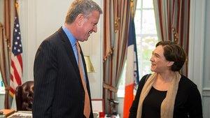 Ada Colau y el alcalde de Nueva York, Bill de Blasio, en mayo del 2016.