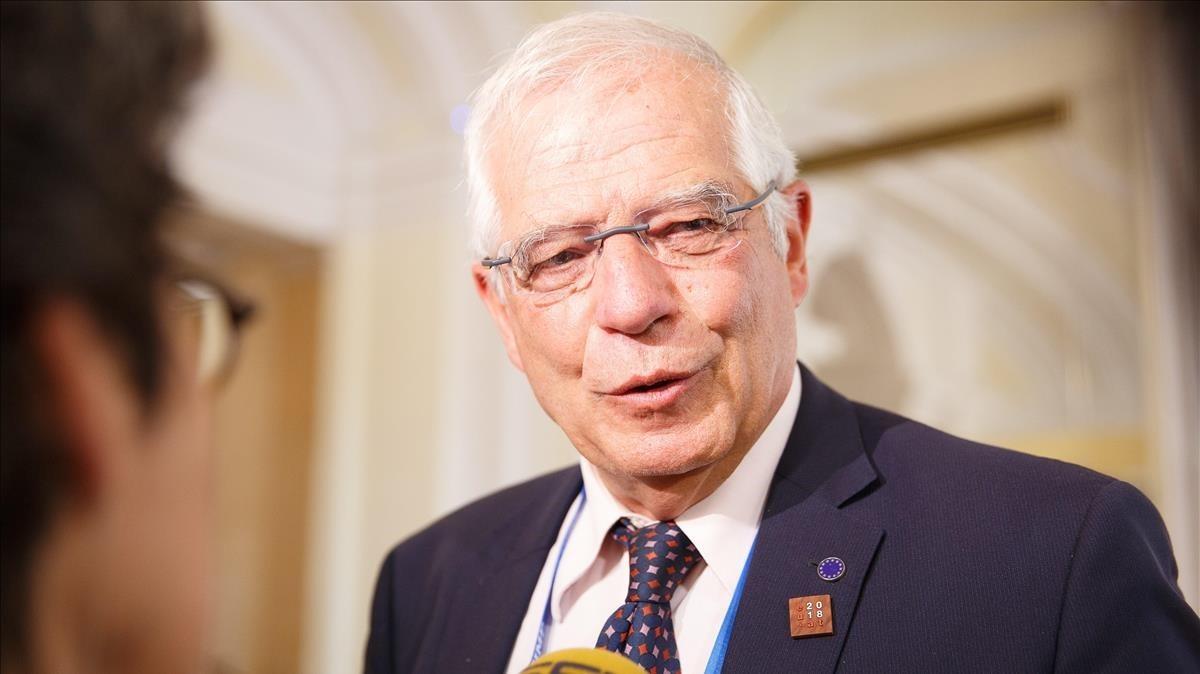 Borrell diu que Trump li va suggerir aixecar un mur al Sàhara per frenar la immigració