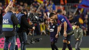 El delantero Luis Suárez fue la estrella del partido al anotar tres goles