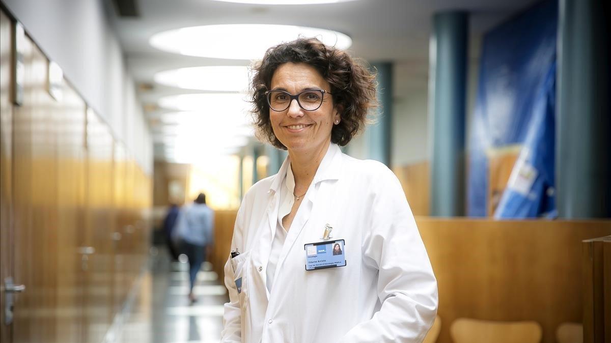 La oncóloga Edurne Arriola en el Hospital del Mar.