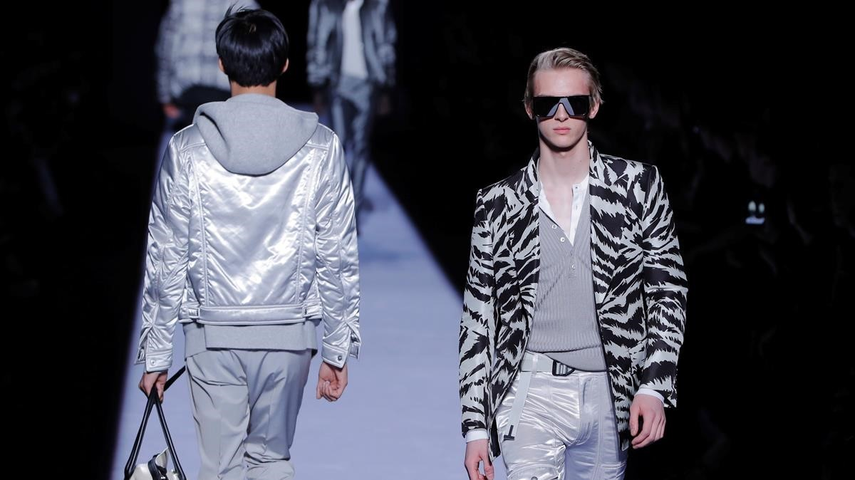 lmmarco41937017 a model presents a creation from the tom ford fall winter me180207184633