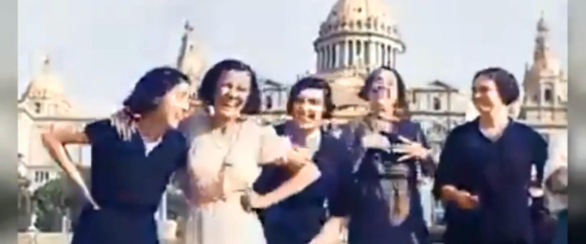 Imagen de la familia Navarro captada en 1932 en las escales de lo que hoy es la plaza de las Cascades.