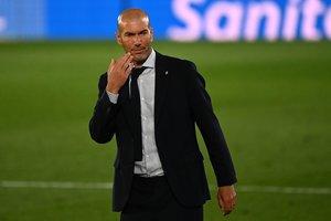 El entrenador francés Zinedine Zidane durante el último partido del Real Madrid.