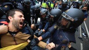 """Un jutge al·lega que les càrregues policials de l'1-O van produir un """"trencament"""" en la imatge de Barcelona"""
