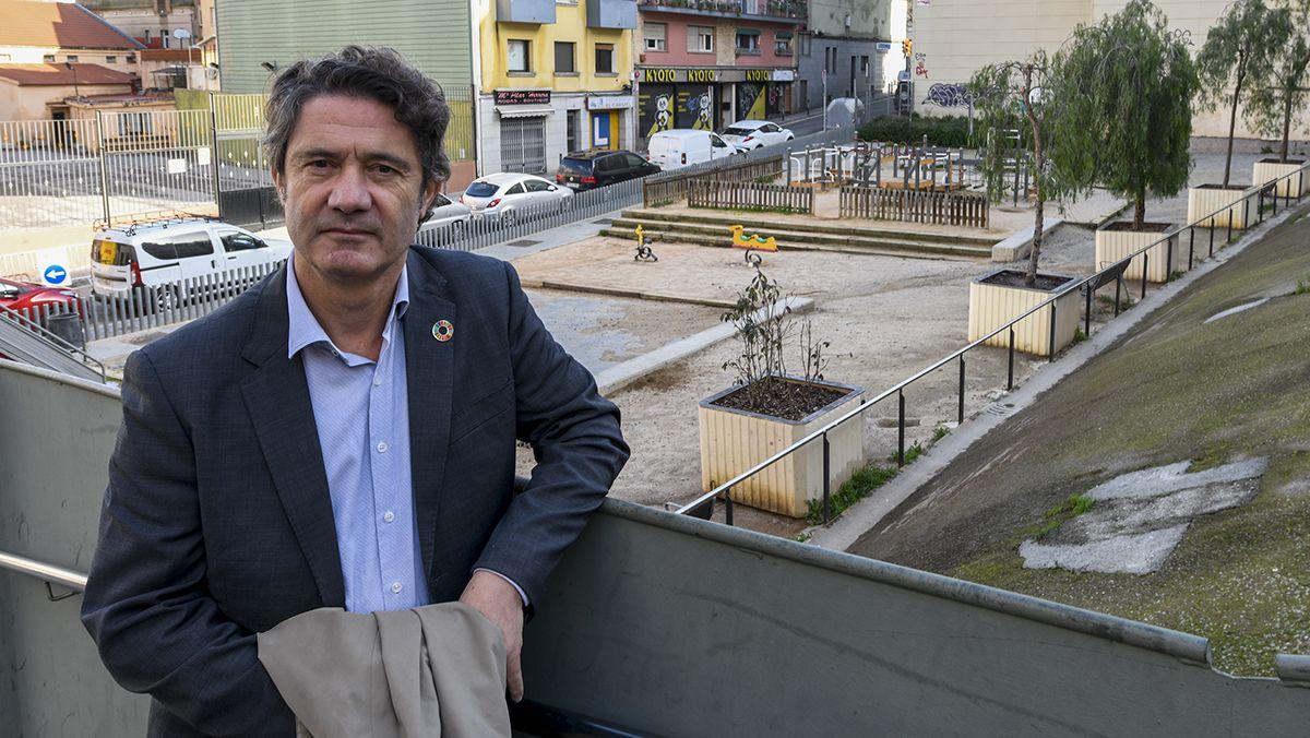 El ex ingeniero del Ayuntamiento de Barcelona, Albert Vilalta, recuerdael derrumbamiento del parking y el edificio anexo hace 15 años en el barrio del Carmel provocando la evacuación de los vecinos y el enorme socavón.