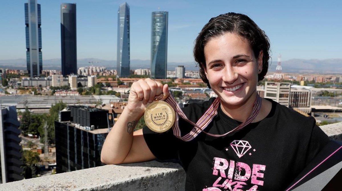 Ana Carrasco, la flamante y nueva campeona del mundo de motociclismo de Supersport300.