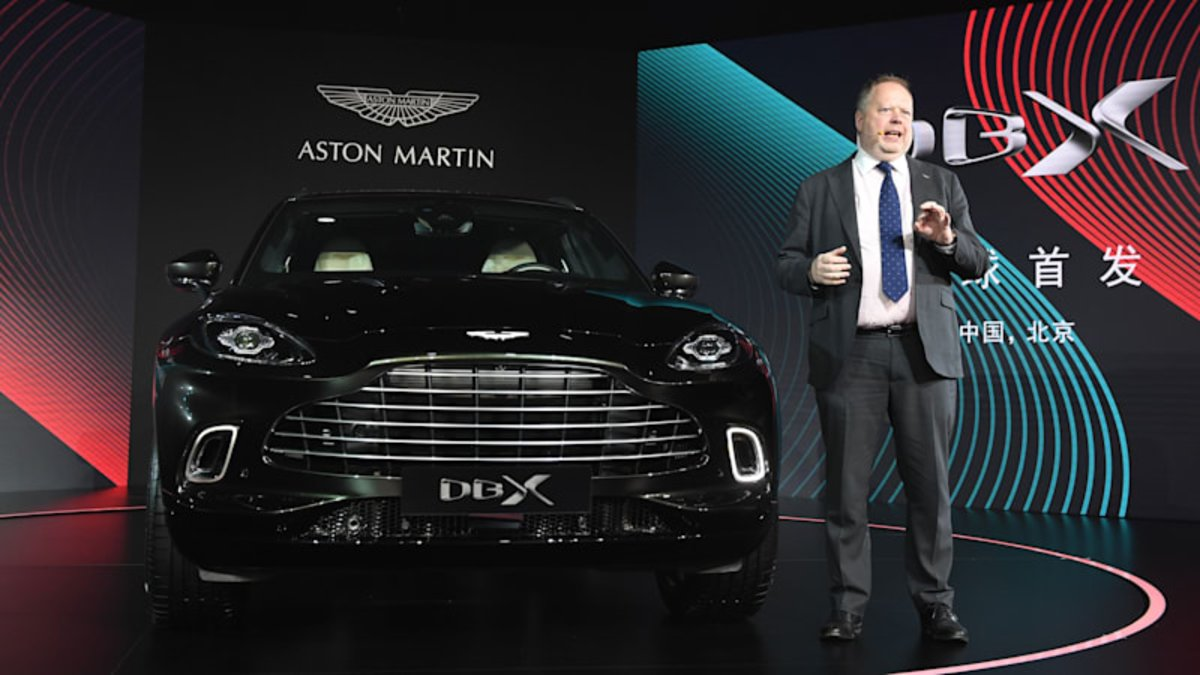 Andy Palmer, CEO de Aston Martin, con su apuesta personal, el SUV DBX