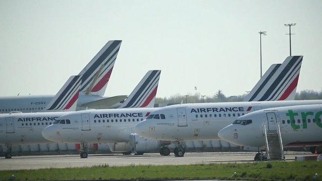 La Comisión Europea (CE) dio este lunes luz verde a una ayuda francesa de 7.000 millones de euros a Air France consistente en una garantía estatal para los préstamos y un préstamo de accionistas para proporcionar liquidez urgente a la compañía.