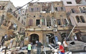 Daños provocados en viviendas de Beirut tras la explosión en el puerto de esa ciudad.