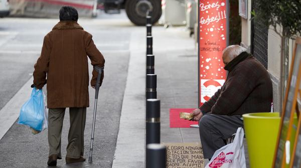 La entidad, que en el 2012 atenderá a unas 260.000 personas, alerta de que la pobreza se ha agravado