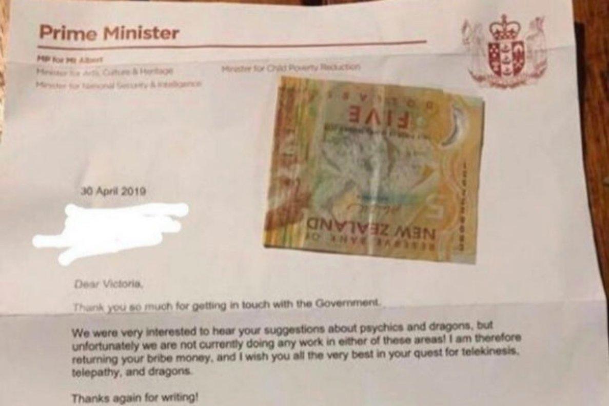 El intento de soborno de una niña a la primera ministra de Nueva Zelanda para investigar a los dragones